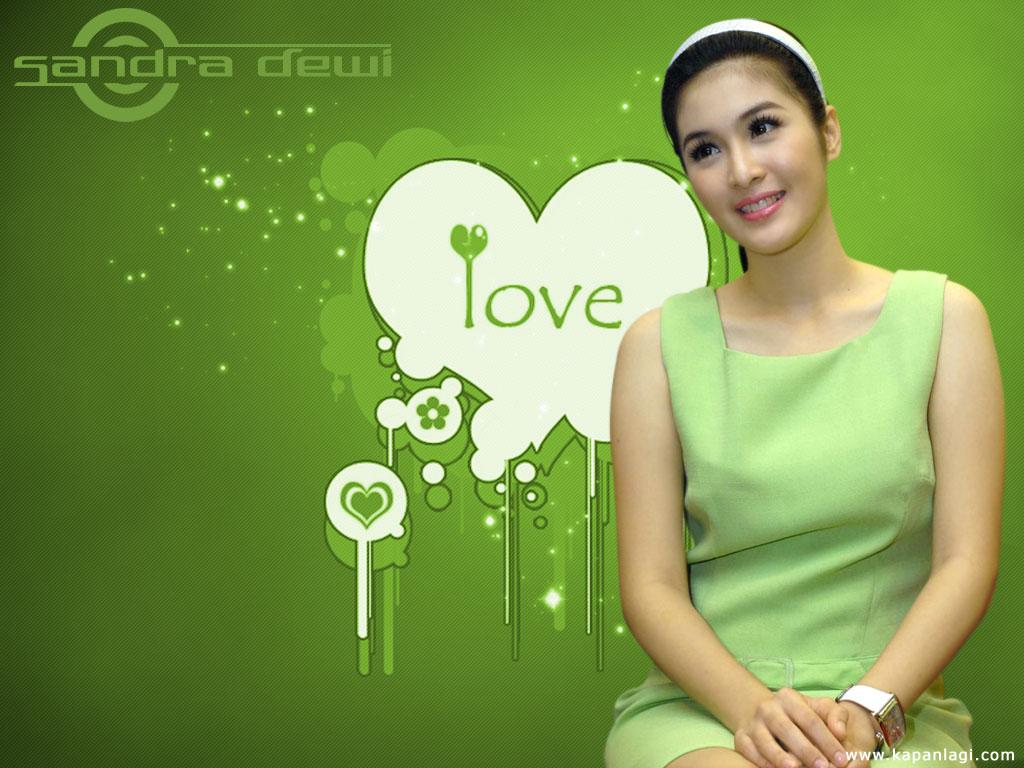 Download foto Sandra Dewi, gambar artis Sandra Dewi