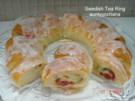 Yochana's Cake Delight! : Swedish Tea Ring
