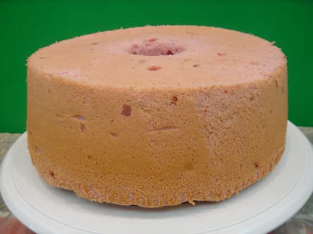 Yochana's Cake Delight! : Strawberry Chiffon Cake