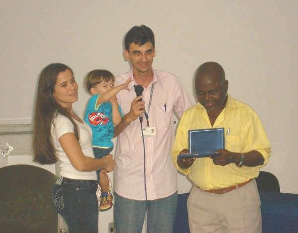 Homenagem ao Prof. Pedro - Laydiane, Lorenzo e Alcemi