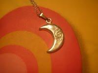 Colgante de luna 1   Galería
