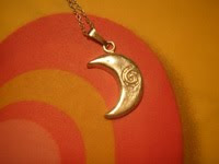 Colgante de luna 1   Colgante de luna