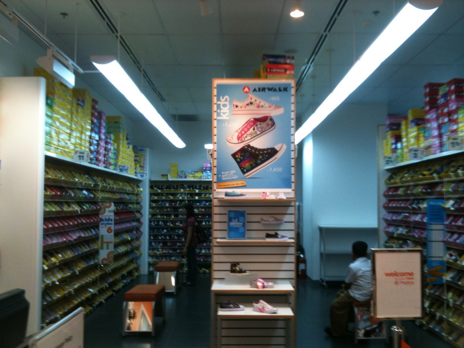 payless shoe stores