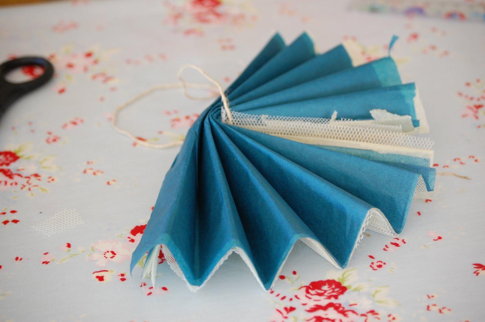 Складки из бумаги своими руками