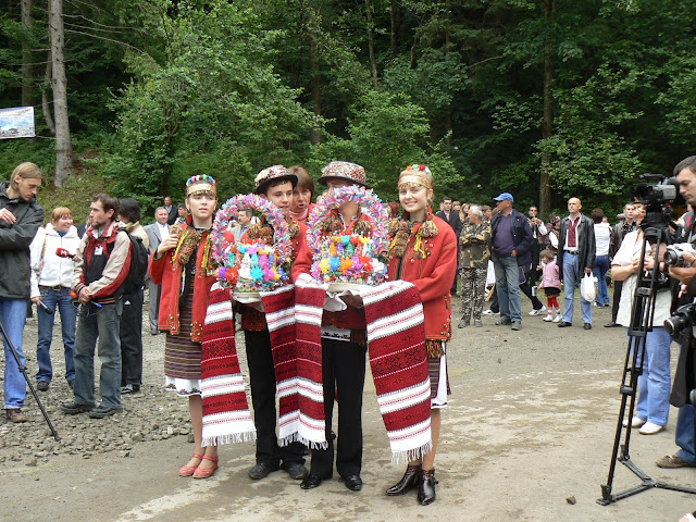Young Hutsuls Are Getting ready To Meet President Of Ukraine