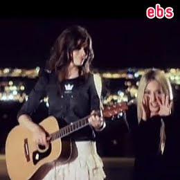 foto del ultimo videoclip de ebs tienes razon