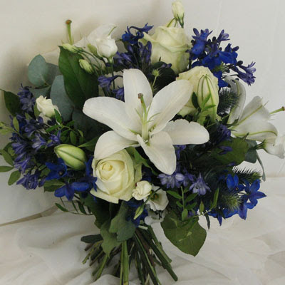 Royal Blue Wedding Bouquets on Wedding Scrap  January 2010