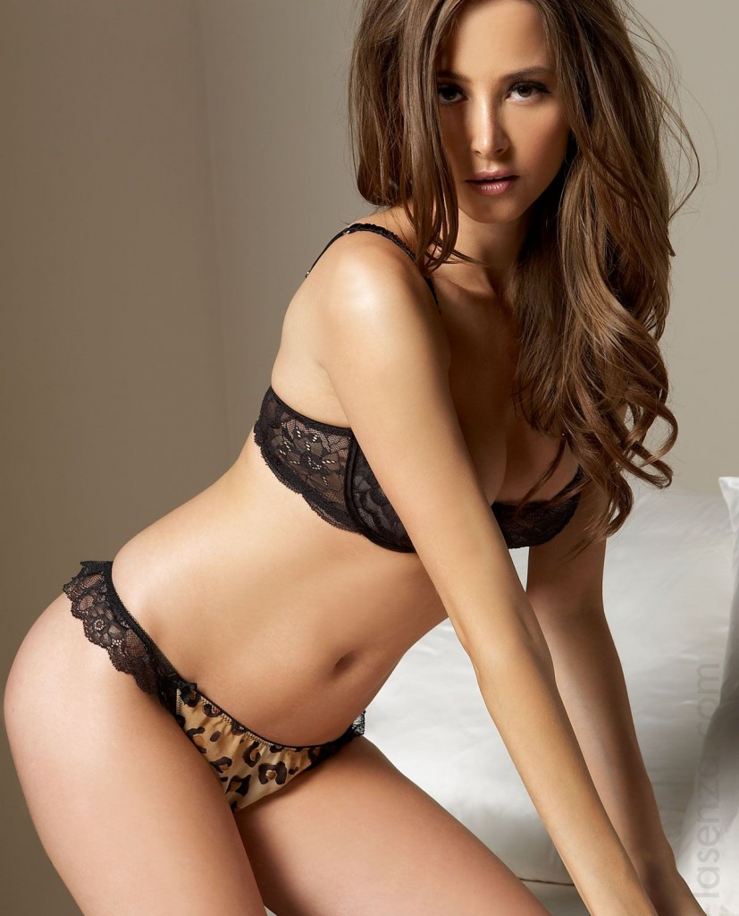 hot hot looks: Sexy Bikini Girls Hot Photo Shoot-Hottest