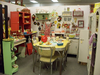 What Makes A Great Antique Booth