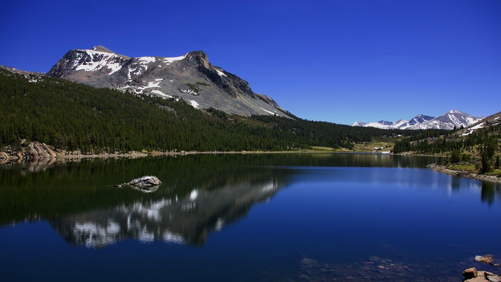 http://1.bp.blogspot.com/_v5h2qxDB1io/TQUQoWihcVI/AAAAAAAAA5A/5Pr7vrc4AnM/s1600/01319_glaciercanyon_1920x1080.jpg