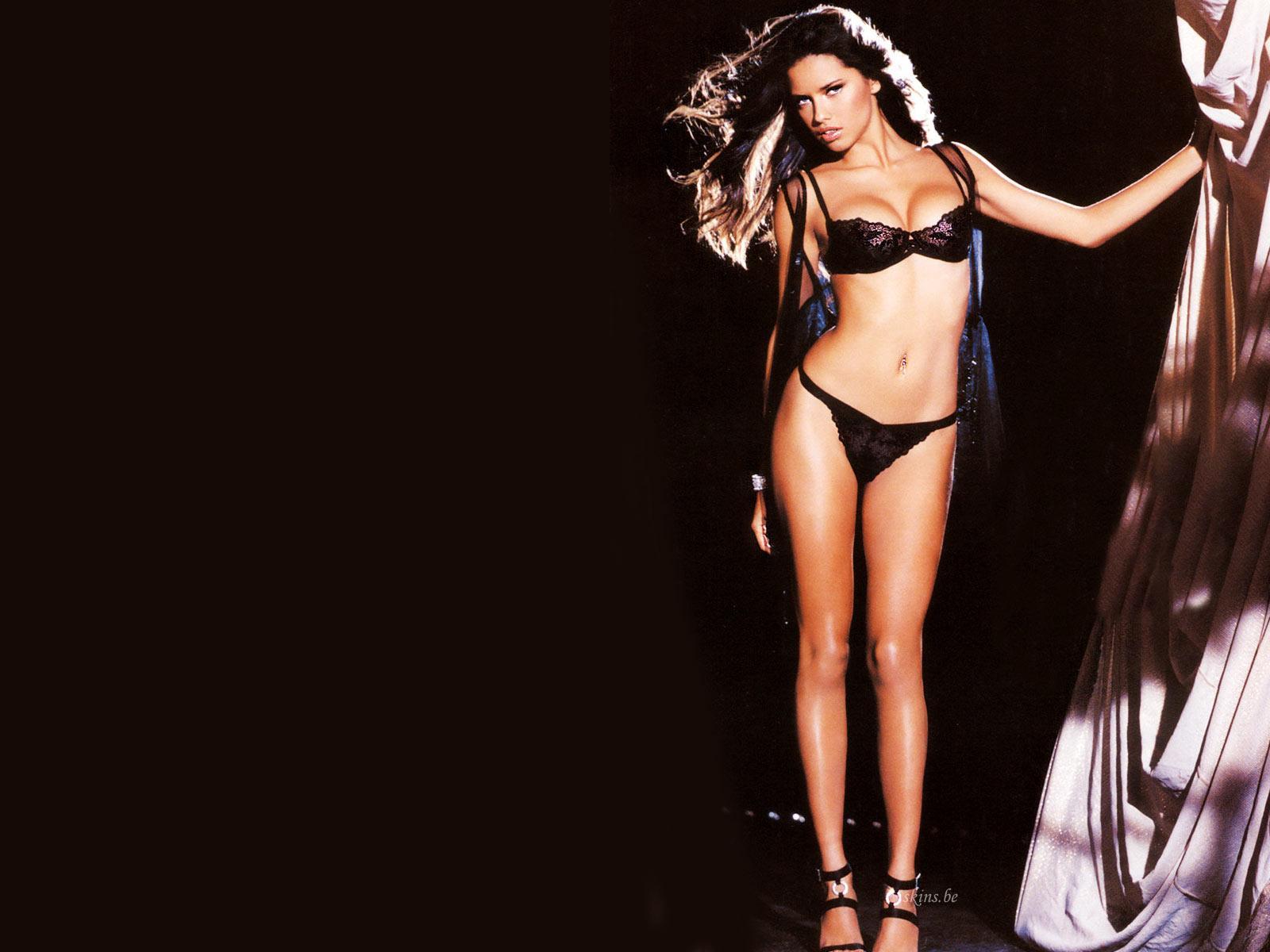http://1.bp.blogspot.com/_v5h2qxDB1io/TSbOHwH4mMI/AAAAAAAAA7o/rzqQHIoEhdk/s1600/Adriana+Lima_11.jpg