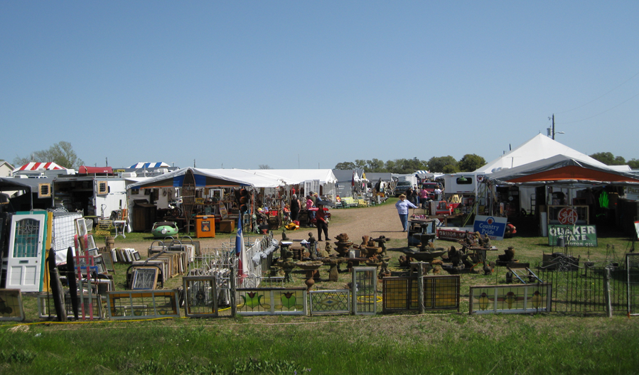 During Antique Weekend you will see tents lining the usually lonely road between Roundtop and Warrenton. From field to flea market. & Ella Elaine: Tent Town in Texas