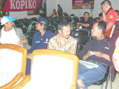 Djoko Suryono R. (YD1OQY), ..., Yaya Sudarya (YC1JYS), ...