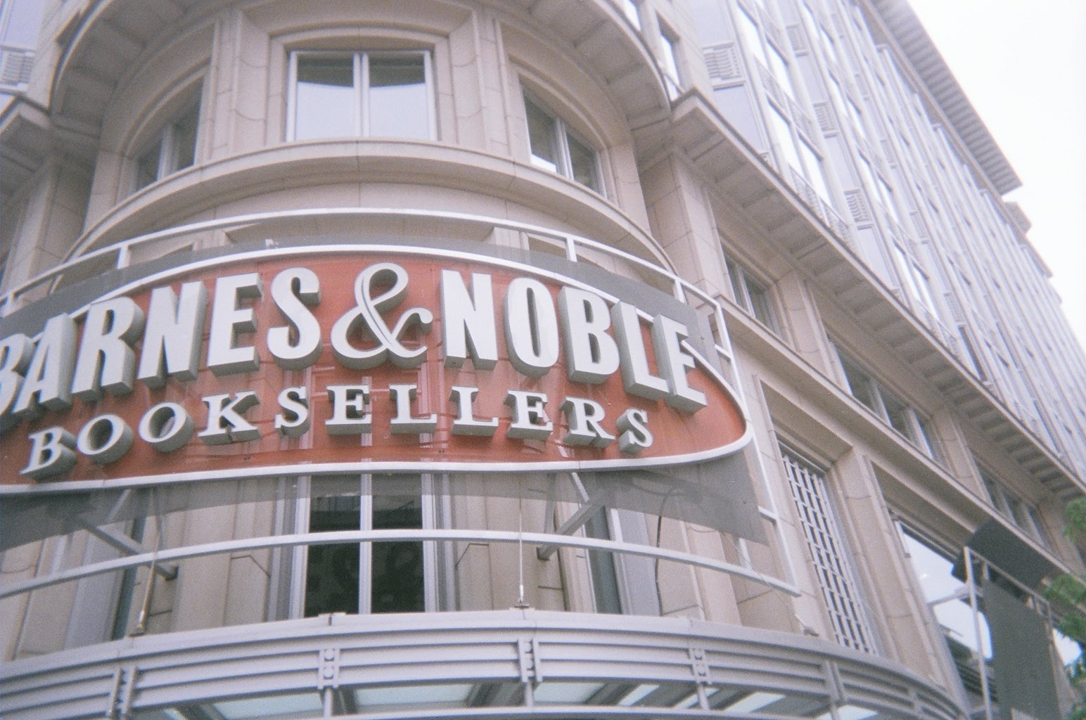 Bill S Book Reviews And News Barnes Amp Noble May Sell