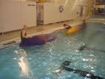 Kayak norte piscina marisma santander for Piscina canoe