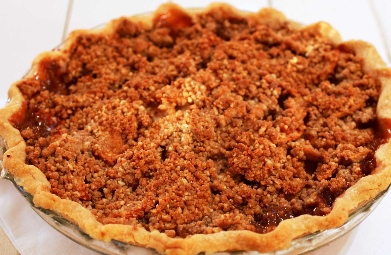 Tish Boyle Sweet Dreams: Streusel-Topped Apple Pie