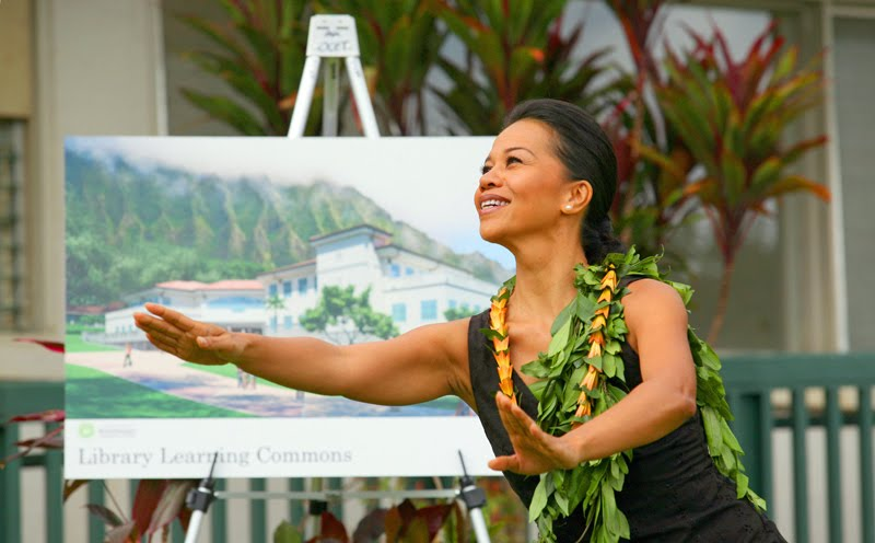 Pi'ilani Smith performs hula