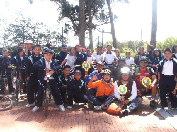 Ciclopaseo Humedal del Burro 2009, grado 5º