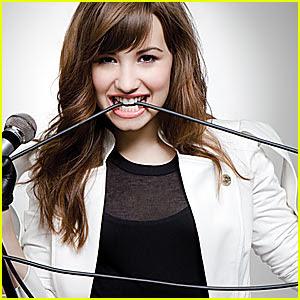 http://1.bp.blogspot.com/_vCSIyT3cQxY/Sc7c7UArSxI/AAAAAAAAD1M/p8SFvHP-u8M/s320/So_Far_So_Great_Lyrics_Video_Demi_Lovato.jpg