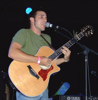 Ain't No Sunshine lyrics and mp3 performed by Kris Allen - Wikipedia
