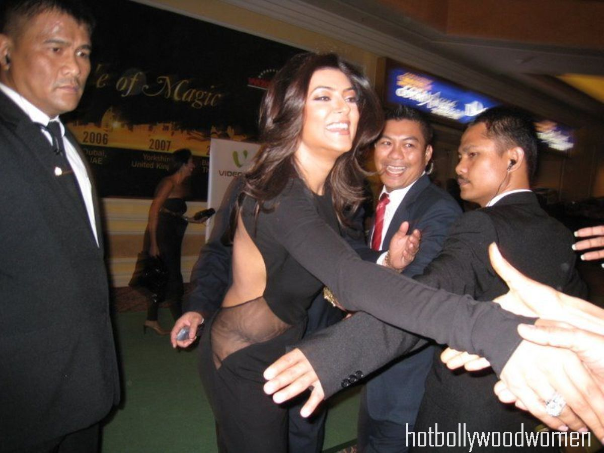 check out sushmita sen s wardrobe malfunction from one of the recent