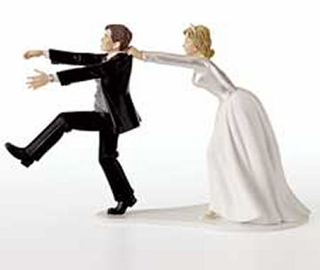 [funny-wedding-cake-topper01.jpg]