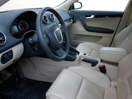Elimina el olor a humedad del interior del autom vil taringa - Limpiar el interior del coche ...