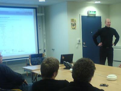 Thomas Karlsson från Microsoft håller låda om säkerhet
