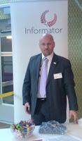 Tobias håller ställningarna i Informators monter på Sharepointseminarium