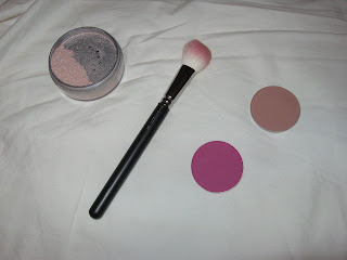 ... Brush, MAC Blush in 'Rhubarb', MAC Contour Powder in 'Bone Beige