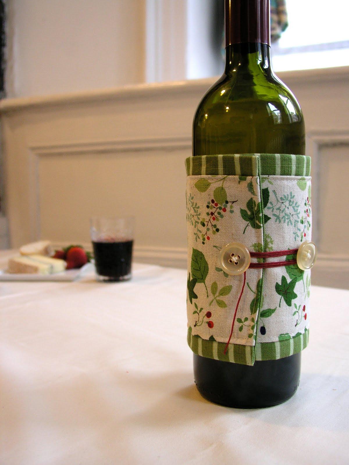 Как оформить бутылку вина