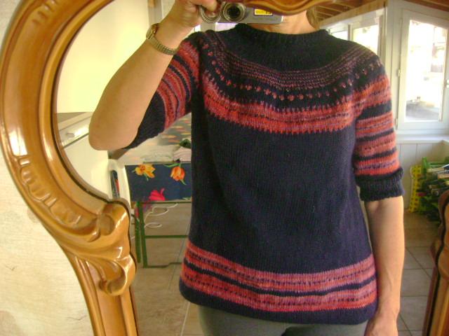 [EZ's+seamless+yoke+sweater.JPG]