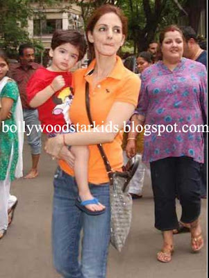 Bollywood Star Kids: Hrithik and Suzanne Roshan With Sons ...