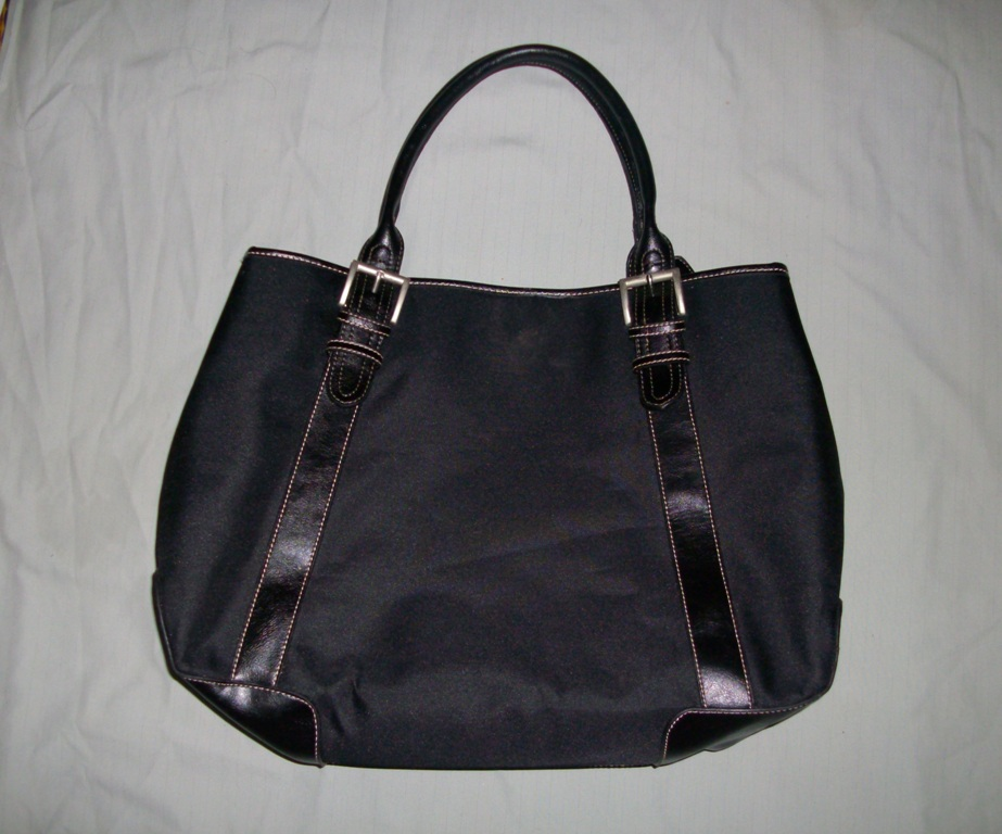 Charles and Keith Bags Singapore http://budgetcool.blogspot.com/2010/03/charles-and-keith-bag.html