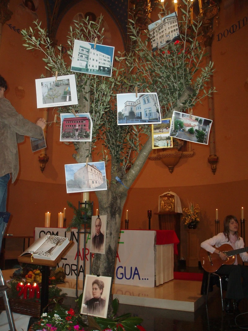Celebración en Olot con las Comunidades educativas