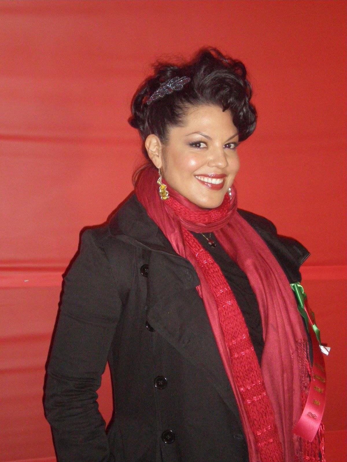 http://1.bp.blogspot.com/_vLpkrJRAti4/TQkbPchjmAI/AAAAAAAAALw/gKzv5uKLGgg/s1600/Sara%252BRamirez.JPG