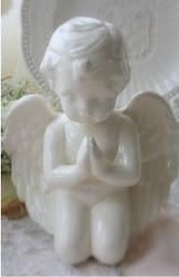 Santo Anjo do Senhor, sempre me rege, me guarde, me ilumine. Amém!