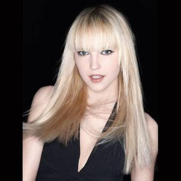 long blonde hairstyles 2010. long blonde hairstyles with