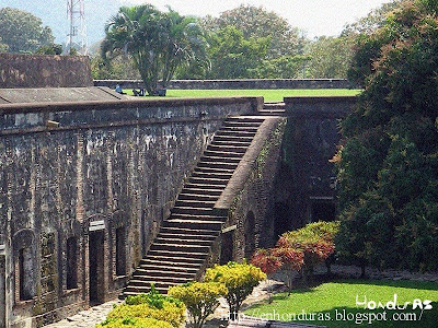 escaleras castillo de omoa