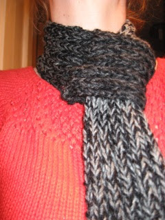 Knitted Scarf Pattern With Pointed Ends : The Complete Fabrication: The Quick Loop Scarf