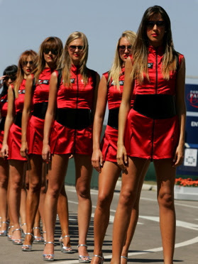 Beutypicture Umbrella Girl MotoGP 2011