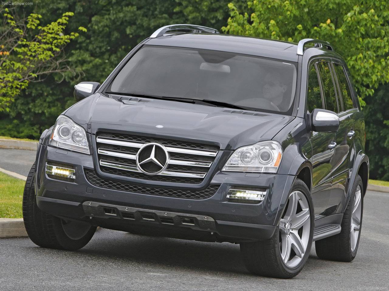 Mercedes Benz Auto twenty first century  2010 Mercedes Benz GL550