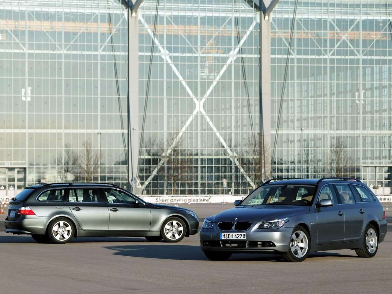 performance of cars: 2005 BMW 545i Touring