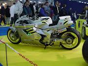 MOS TUNIG chicas motos