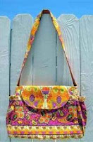 diaper bag with elastic pocket