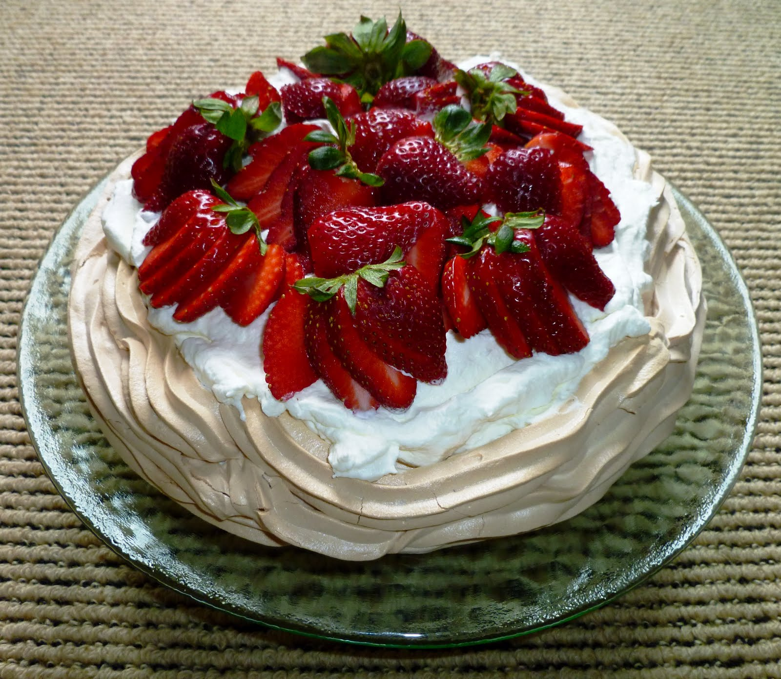 City Home/Country Home: Lemon Berry Pavlova