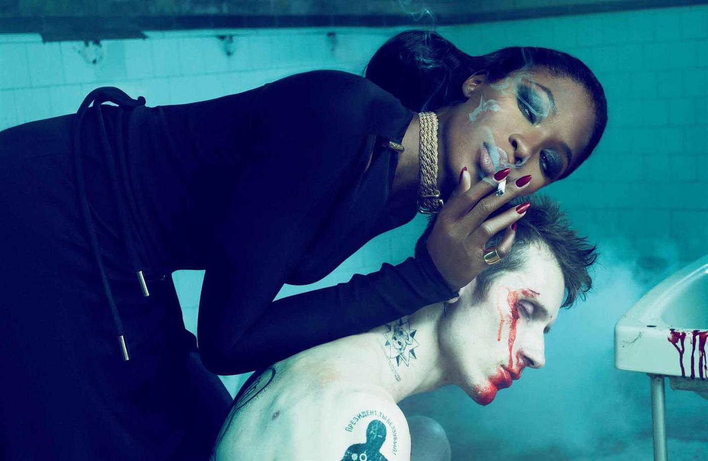 http://1.bp.blogspot.com/_vX2JZHFno7o/TKMc67Un2EI/AAAAAAAAz68/ZOwdRAaC2hA/s1600/Naomi+Campbell6.jpg