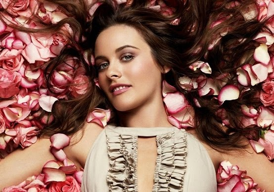 Alicia Silverstone Romance Hairstyles Pictures, Long Hairstyle 2013, Hairstyle 2013, New Long Hairstyle 2013, Celebrity Long Romance Hairstyles 2066