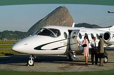 http://1.bp.blogspot.com/_vZ3f7JVOzW0/SkNlL2p8W4I/AAAAAAAADKA/WGBN4qZjkak/s400/lider_aviacao_2.jpg