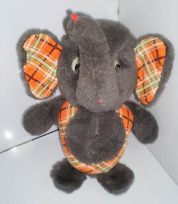Kockás fülű elefánt